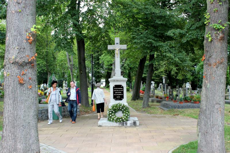 Kamenný kříž na chodovském hřbitově. Foto: Martin Polák