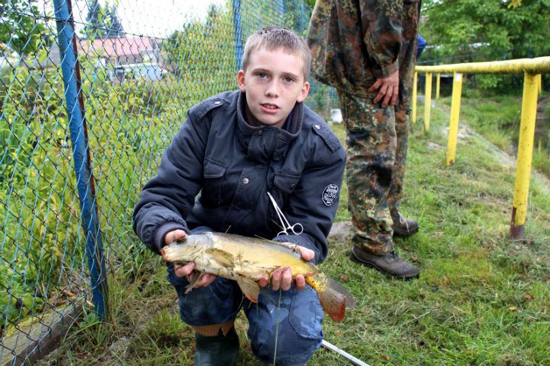 Ondra Stach s největší rybou. Foto: Martin Polák