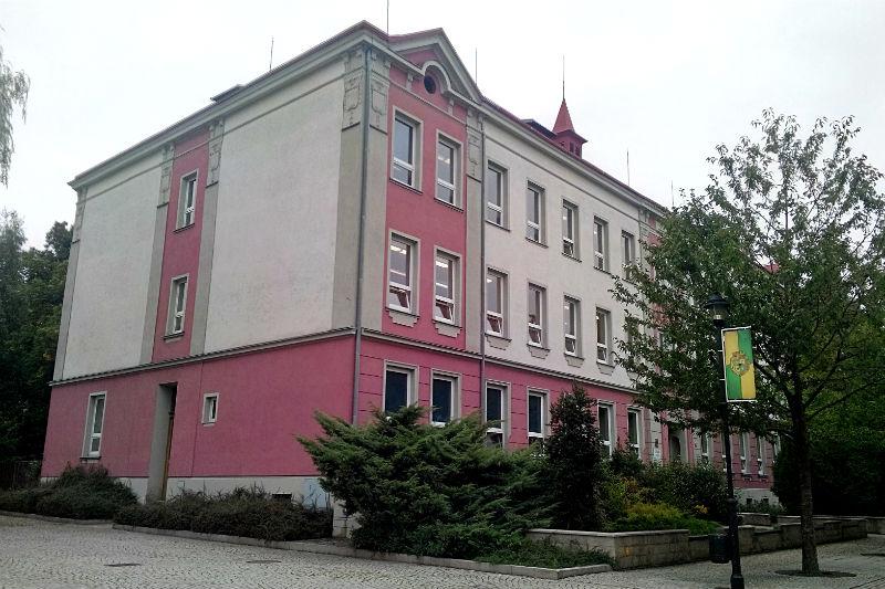 Škola v ulici Komenského. Foto: Martin Polák