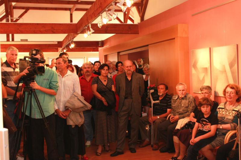 Galerii u Vavřince zcela zaplnili pozvaní hosté. Foto: Martin Polák