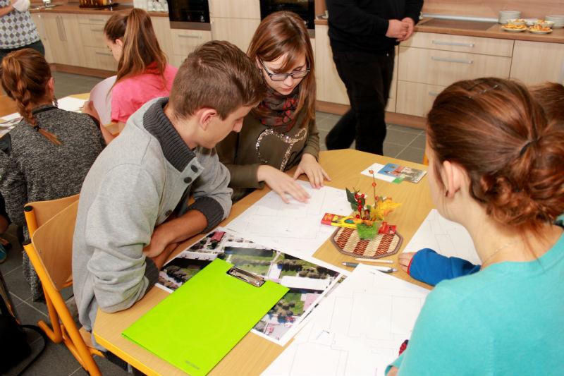 Žáci kreslili své nápady do takzvané slepé mapy. Foto: Martin Polák