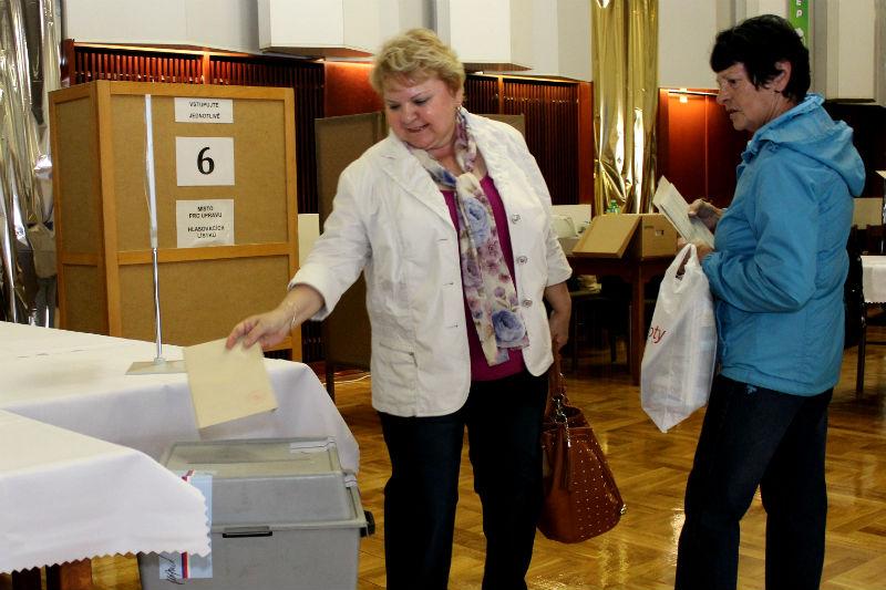 Víkendové volby v Chodově. Foto: Martin Polák
