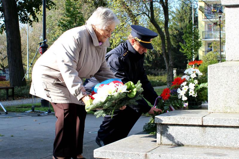 Úterní pietní akt u Památníku obětem válek. Foto: Martin Polák