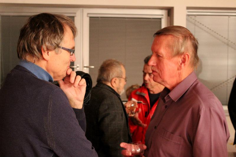 Pavel Rajdl (vpravo) při diskusi s návštěvníky. Foto: Martin Polák