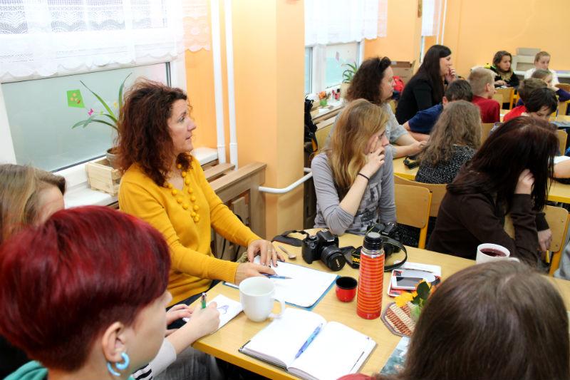 Redaktoři školních časopisů bedlivě poslouchali zkušené kolegy. Foto: M. Polák