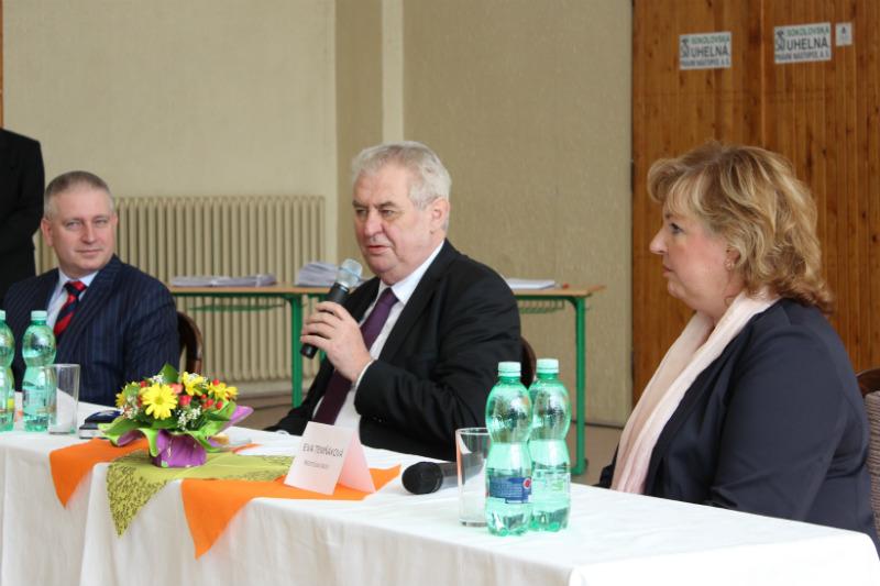 Prezident při debatě se studenty na chodovském gymnáziu. Foto: Martin Polák