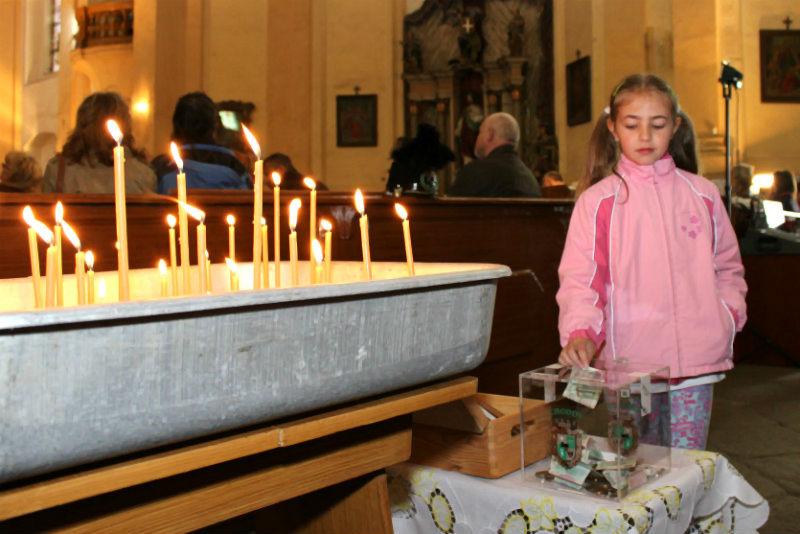 První peníze dávali lidé do pokladničky přímo v kostele. Foto: Martin Polák
