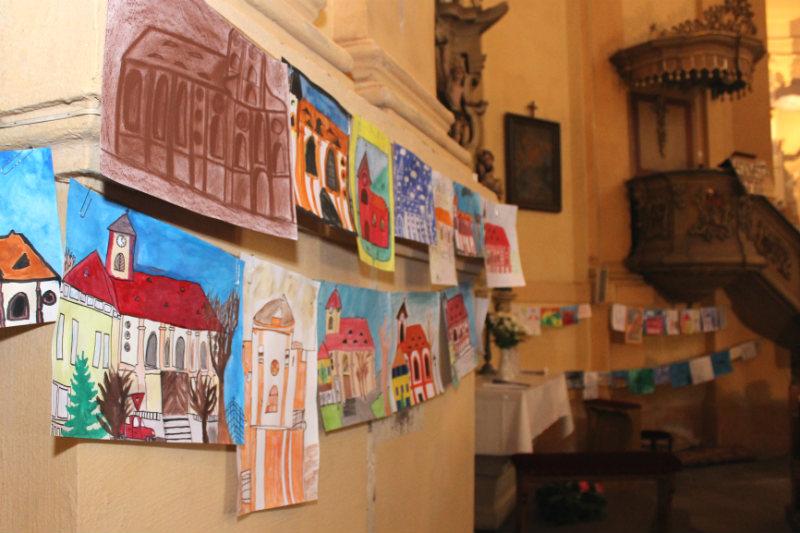 Výstava dětských prací v kostele. Foto: Martin Polák