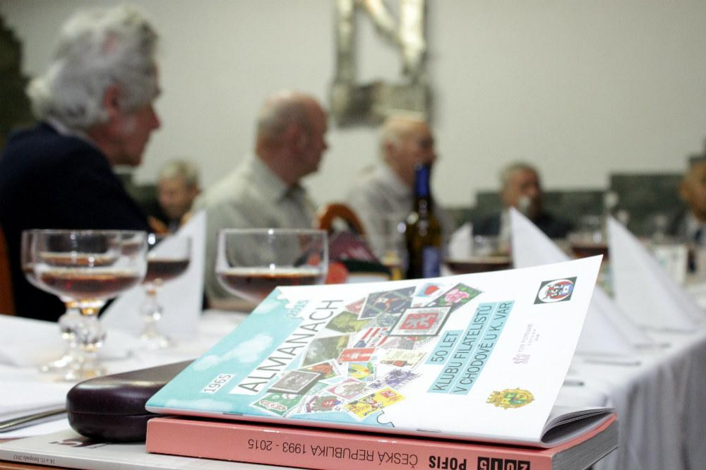 Filatelisté vydali u příležitosti výročí zajímavý almanach. Foto: Martin Polák