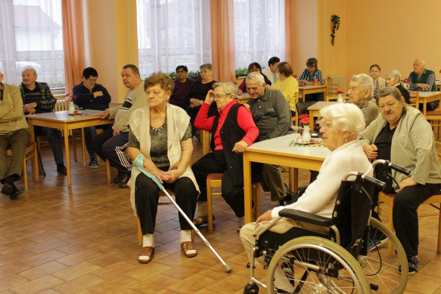Chodovští senioři při setkání se starostou. Foto: Martin Polák