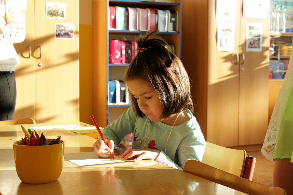Většina dětí se na zápis a drobné úkoly velmi soustředila. Foto: Martin Polák