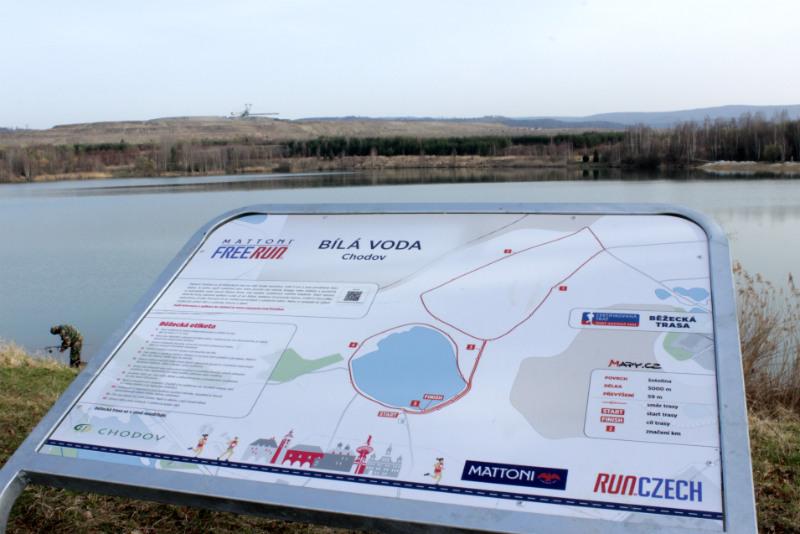 Tabule s užitečnými informacemi a mapkou trasy. Foto: Martin Polák