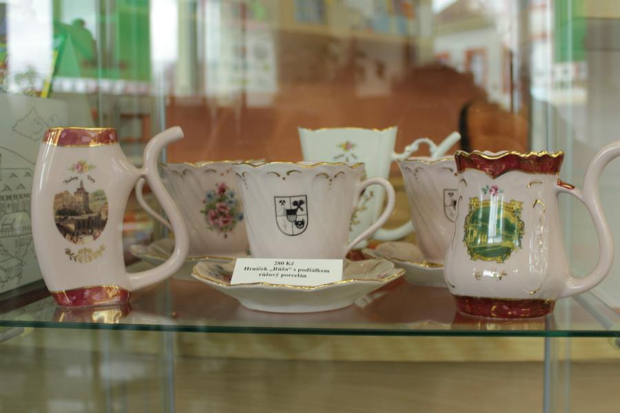 Porcelán z dílny Viléma Těžkého. Foto: Martin Polák