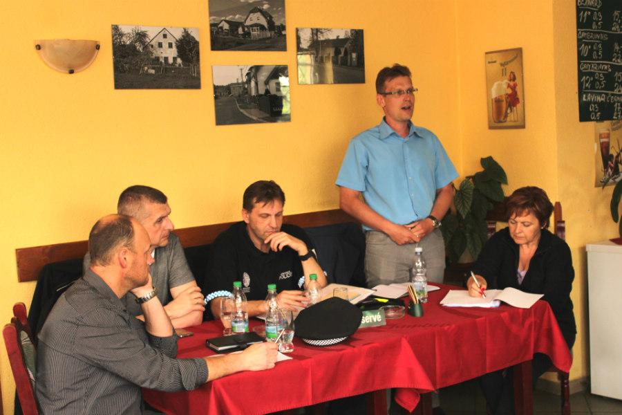Diskuze v penzionu ve Staré Chodovské. |Foto: Martin Polák