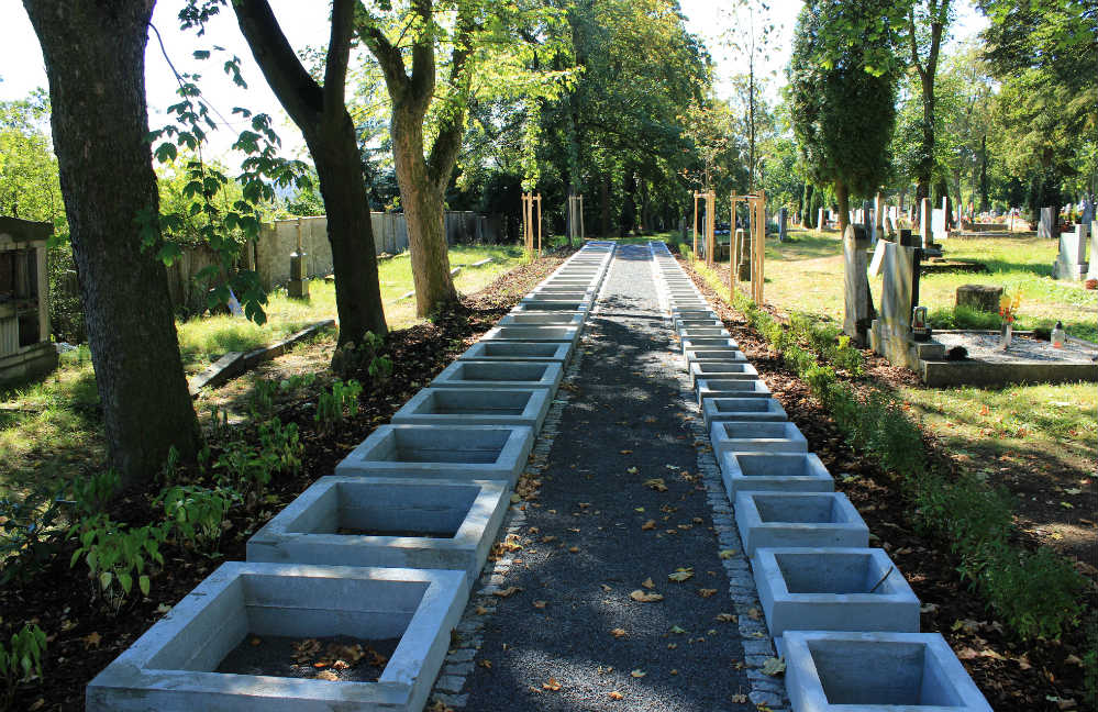 Nové urnové hroby. Foto: Martin Polák
