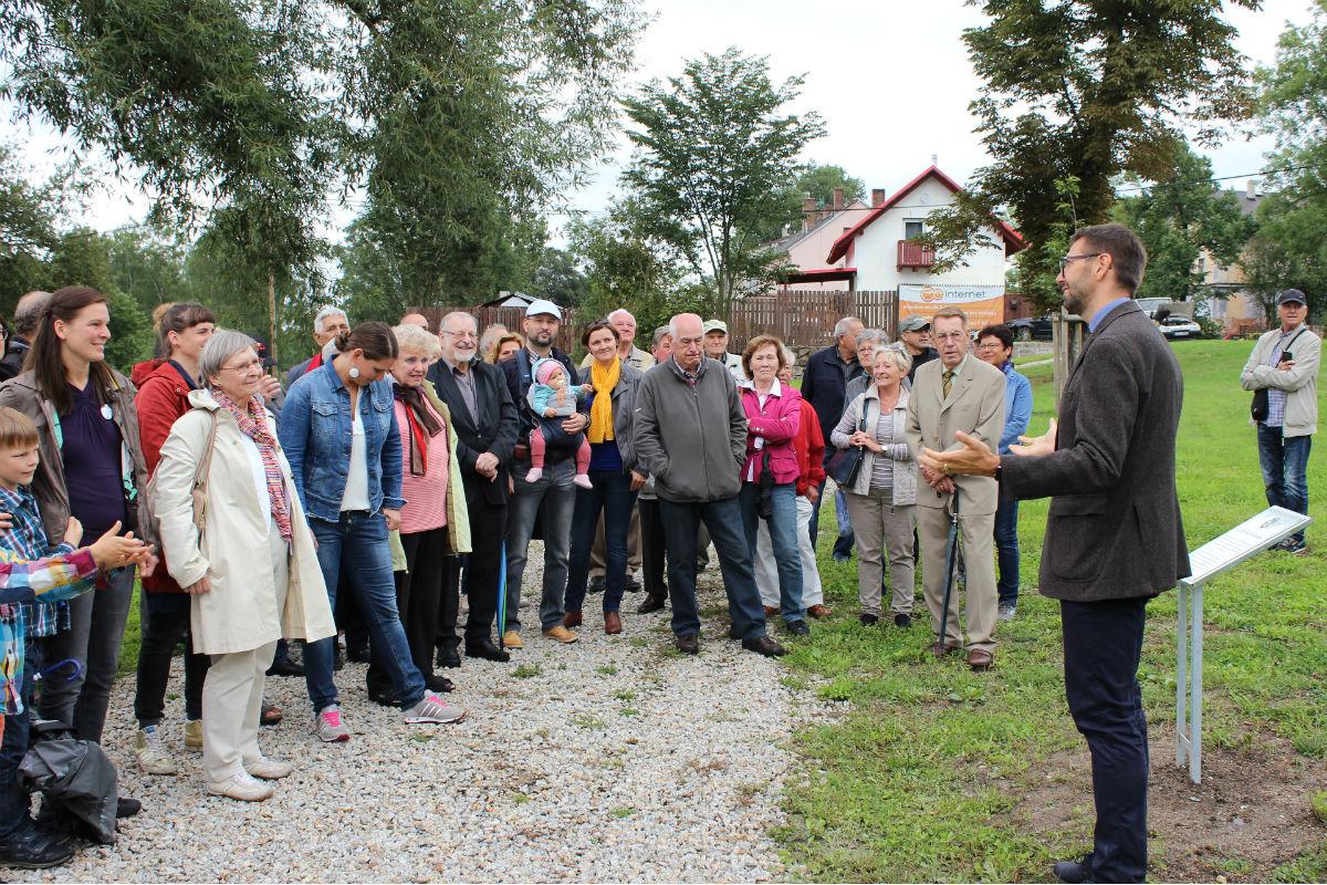 Starosta Chodova promlouvá k účastníkům slavnostní akce. Foto: Martin Polák