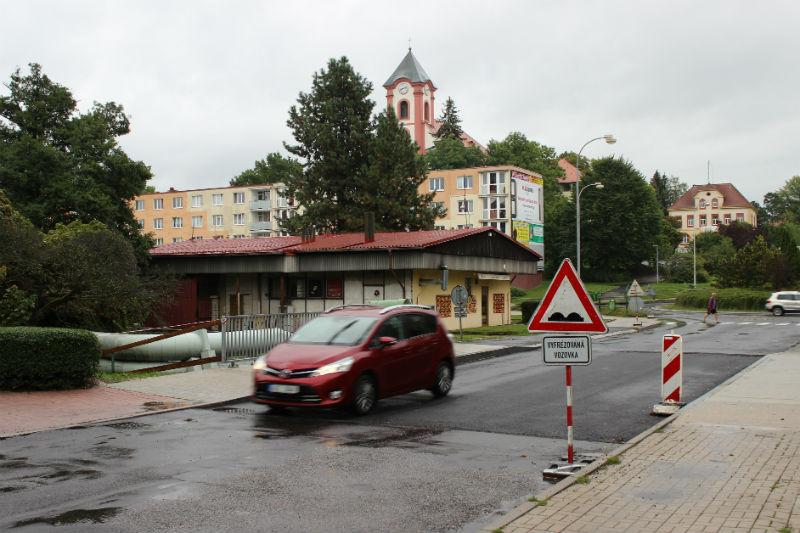 Most ve Školní ulici je opět obousměrně průjezdný. Foto: Martin Polák