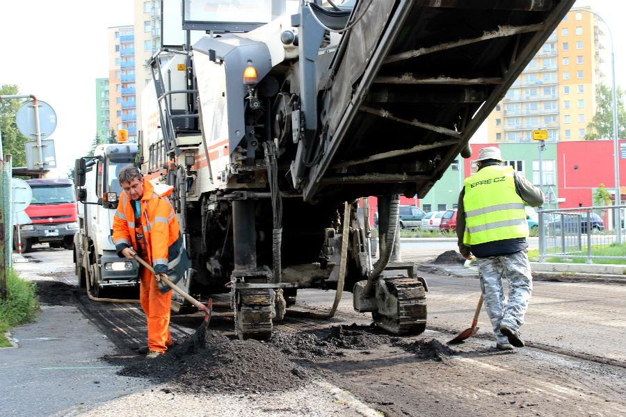 Rekonstrukce vozovky v Lesní ulici. Foto: Martin Polák