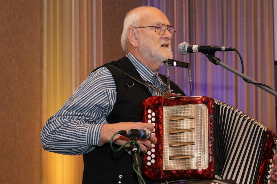 Velká přehlídka harmonikářů měla v Chodově premiéru. Foto: M. Polák
