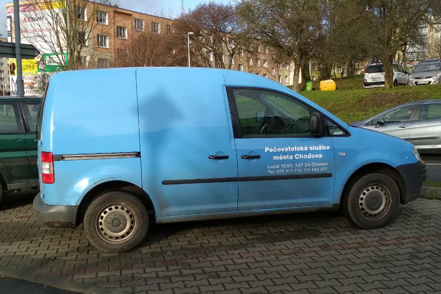 Současný vůz pečovatelské služby brzy nahradí nový automobil stejné značky. Foto: M. Polák
