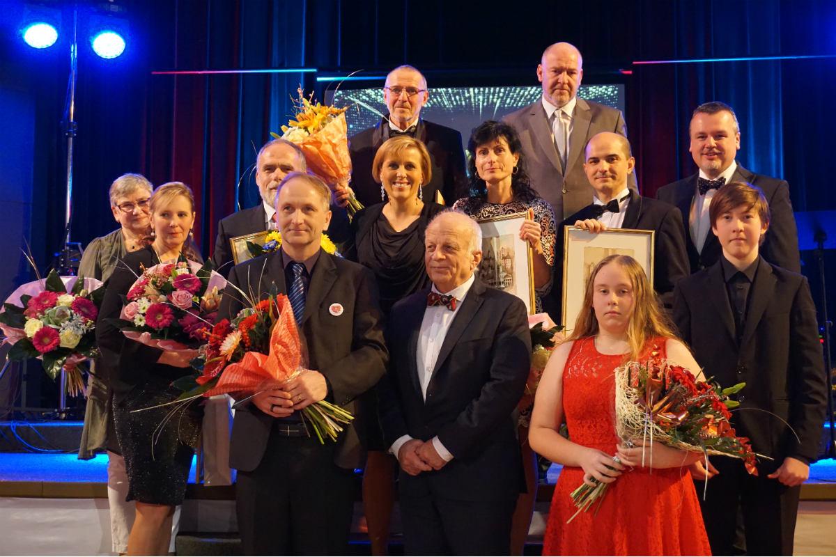 Ocenění zdravotníci. Foto: KÚ Karlovarského kraje
