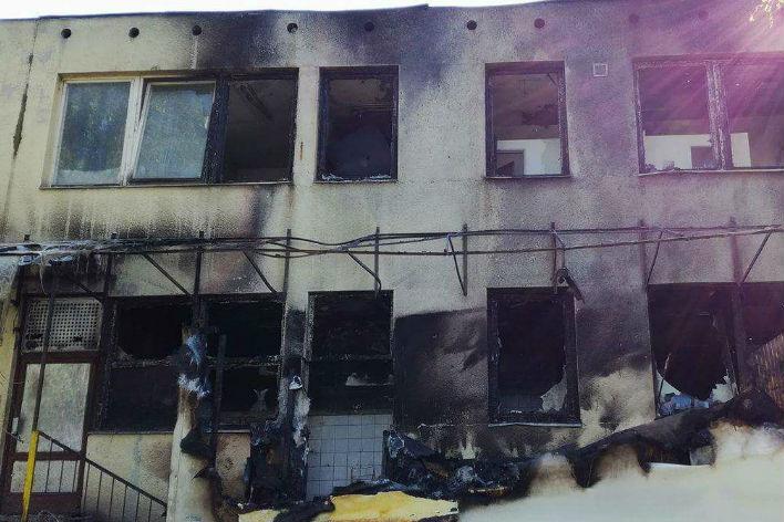 Vyhořelá budova, kde zřejmě bude městská knihovna. Foto: Jan Kurčík