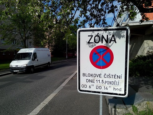 Aplikace upozorní na blokové čištění ulici Chodova. Ilustrační foto: Martin Polák