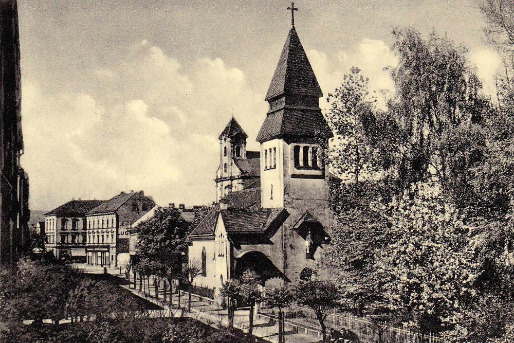 Evangelický kostel ve 30. letech minulého století. Foto: Archiv M. Bělohlávka