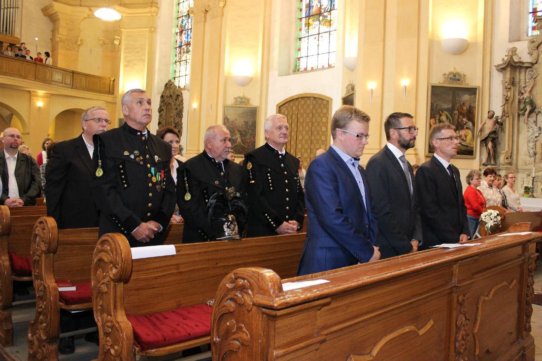 Obřadu se zúčastnili představitelé města, spolků a řada Chodováků. Foto: Martin Polák