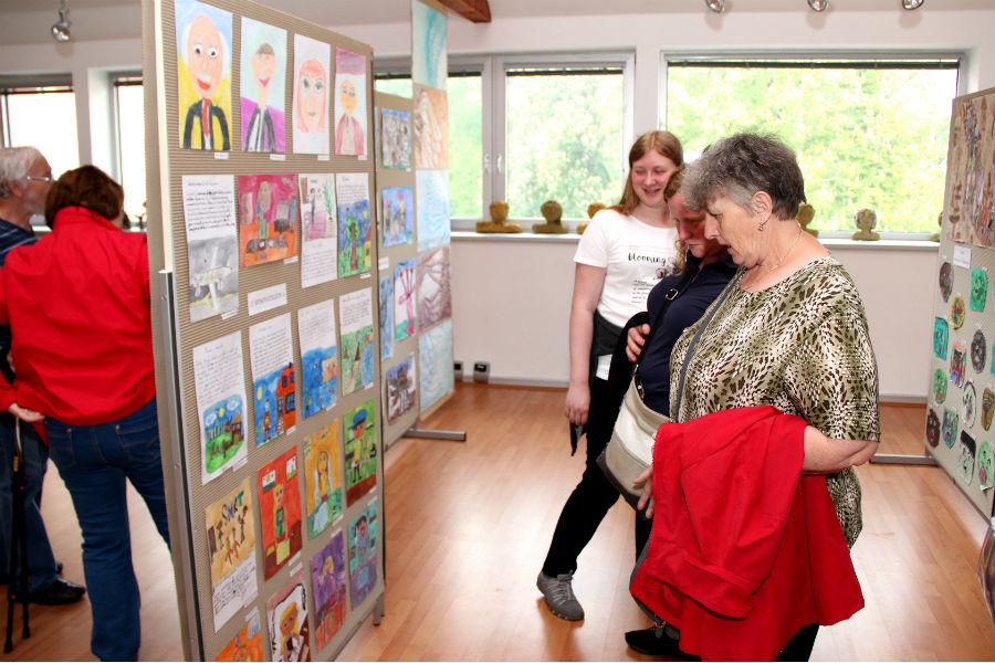 Vernisáž výstavy Děti dětem. Foto: Martin Polák