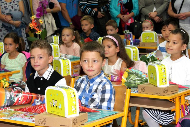 Prvňáčci ve škole J. A. Komenského. Foto: Martin Polák