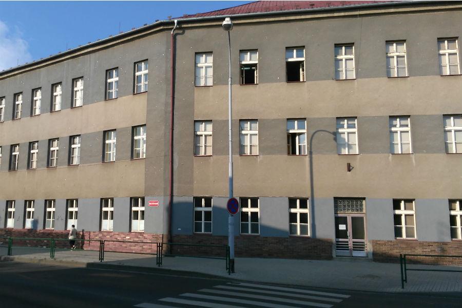 Vnitřek budovy bývalé základní školy čeká přestavba. Foto: Martin Polák