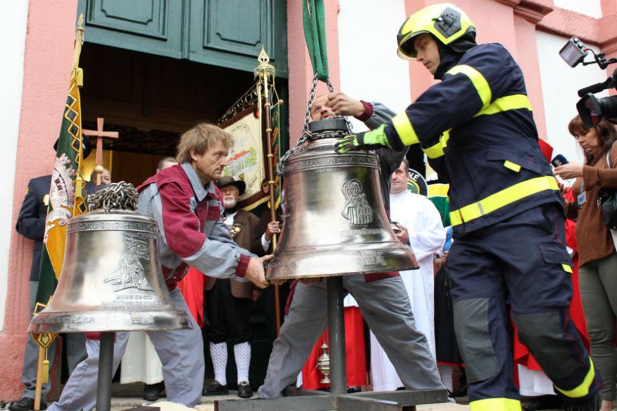 Uchycení zvonů na jeřáb. Foto: Martin Polák