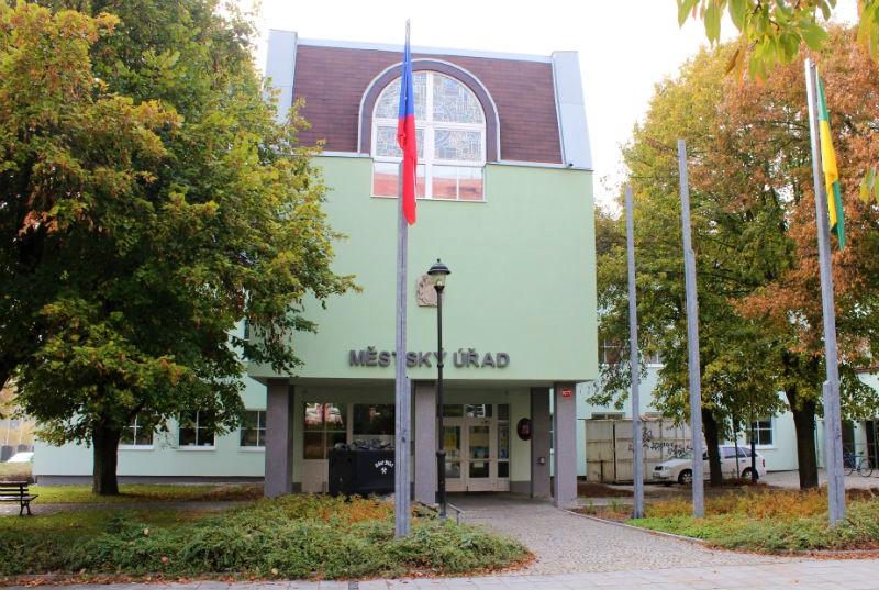 Současná podoba radnice v Chodově. Foto: Martin Polák