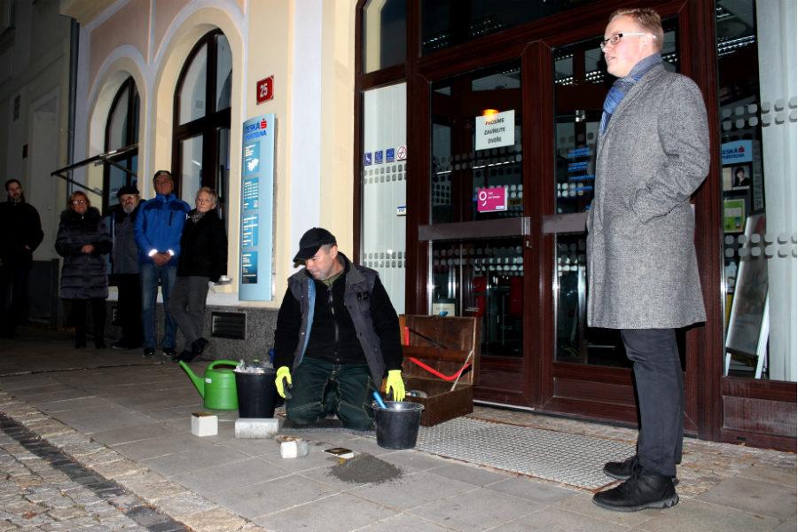 Osud Maxe Hellera a jeho dcery přiblížil přítomným historik Miloš Bělohlávek. Foto: M. Polák