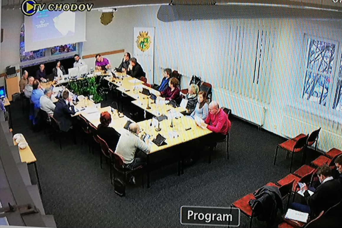 Snímek ze zkušebního provozu živého vysílání.