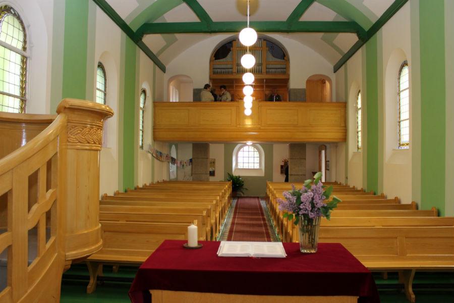 Vnitřek evangelického kostela, který je nemovitou kulturní památkou. Foto: M. Polák