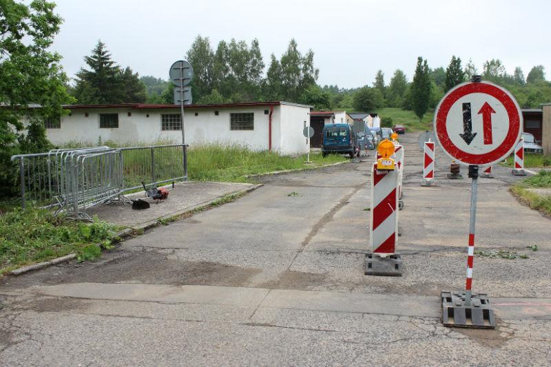 Most u garáží v Okružní ulici. Foto: Martin Polák