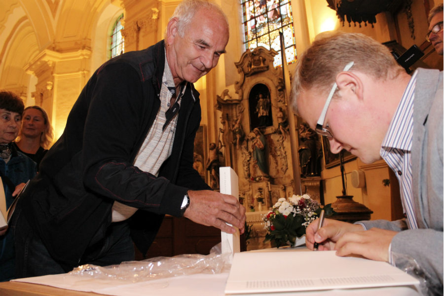 Miloš Bělohlávek při autogramiádě. Foto: Martin Polák