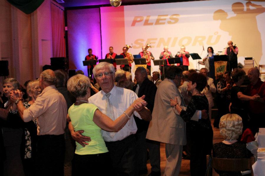 Letošní ples seniorů v Kulturním a společenském středisku. Foto: Martin Polák