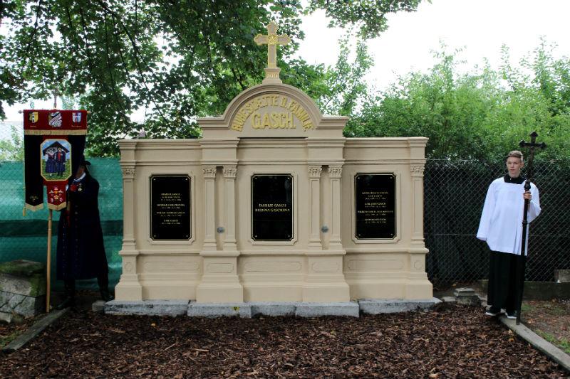 Opravená hrobka rodiny Gaschů. Foto: Jan Polák