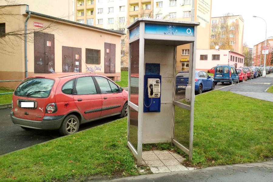 Telefonní budka v ulici Hlavní. Foto: Martin Polák