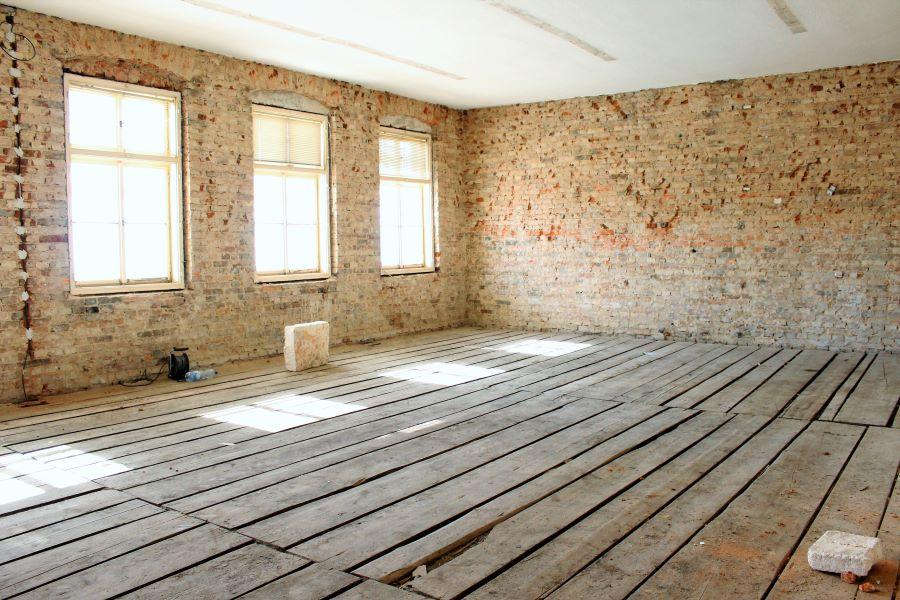 Bývalé třídy jsou prázdné a vyklizené. Foto: Martin Polák
