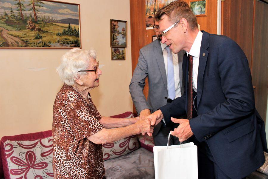 Gratulovat přišel také místostarosta Luděk Soukup. Foto: Martin Polák