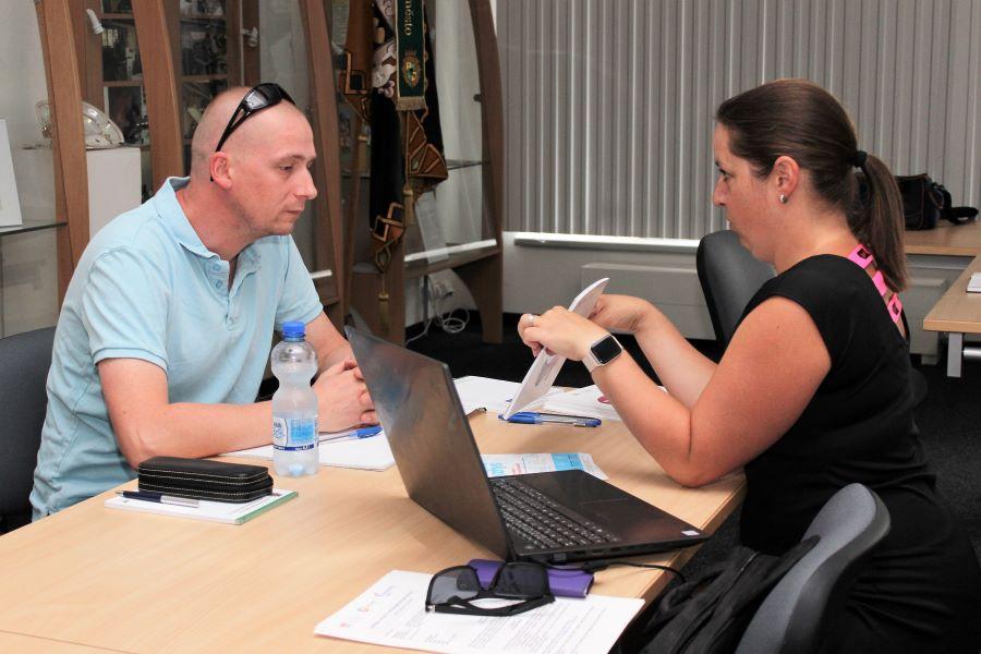 V Chodově už proběhly první konzultační hodiny s odborníky. Foto: Martin Polák