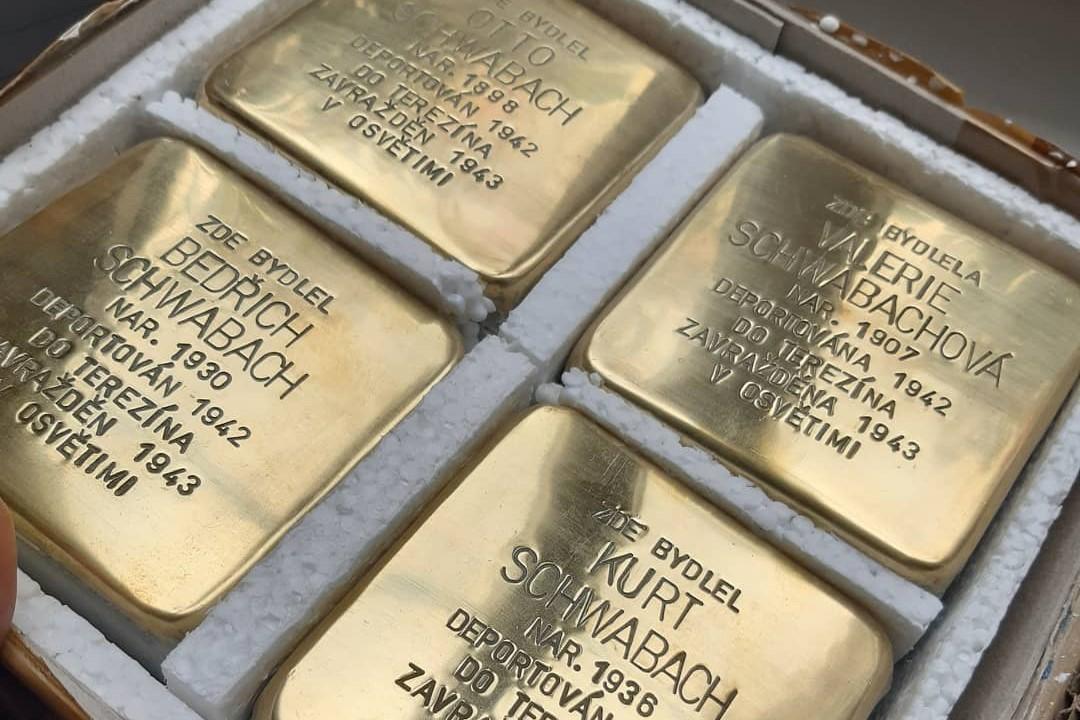 Kameny zmizelých  pro rodinu Otto Schwabacha. Foto: Miloš Bělohlávek