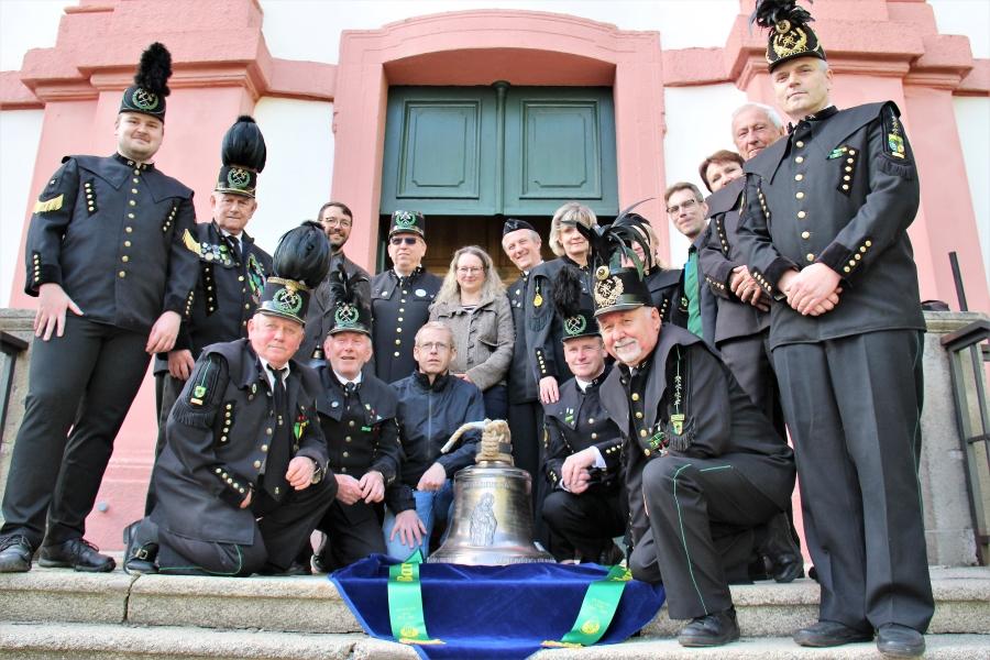 Hornický spolek Solles se zvonem sv. Barbora. Foto: Martin Polák