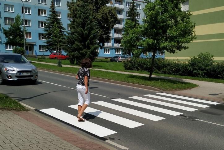 Nový přechod u školní jídelny směrem do staré Husovy ulice. Foto: Martin Polák