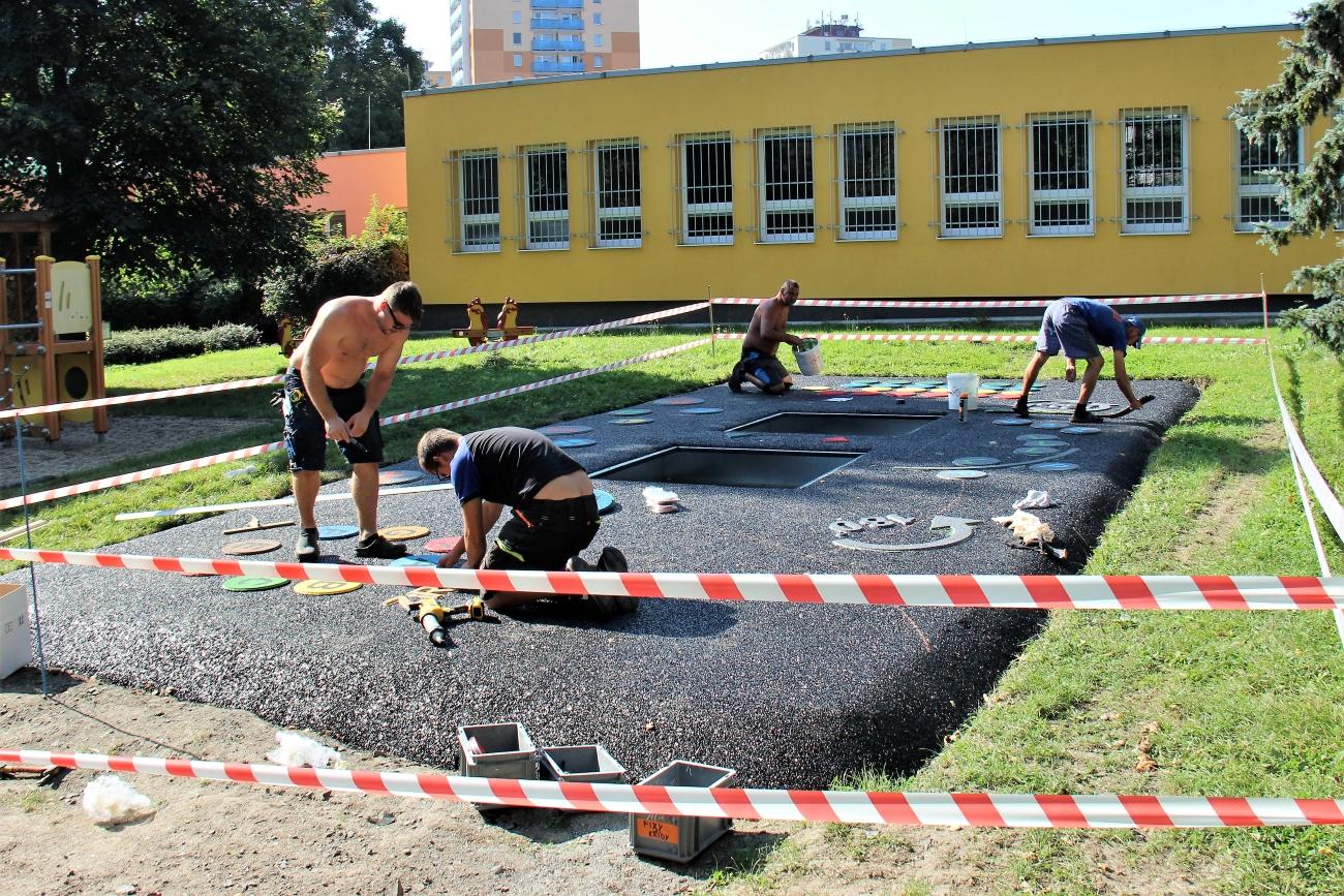 Práce na nových herních prvcích v DDM Bludiště: Foto: Martin Polák