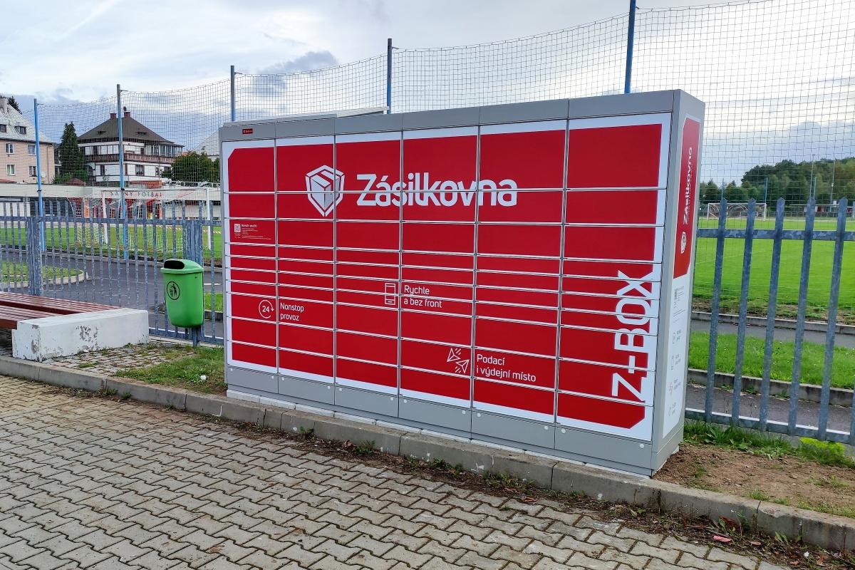 Z-Box na parkovišti u sportovní haly. Foto: Martin Polák